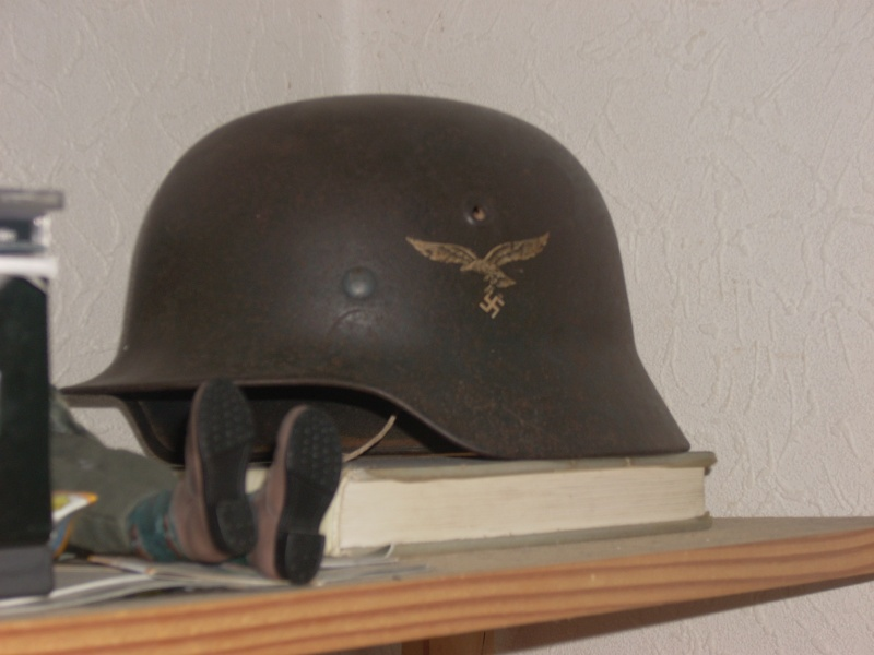 Vos casques allemands WW2... - Page 3 07010