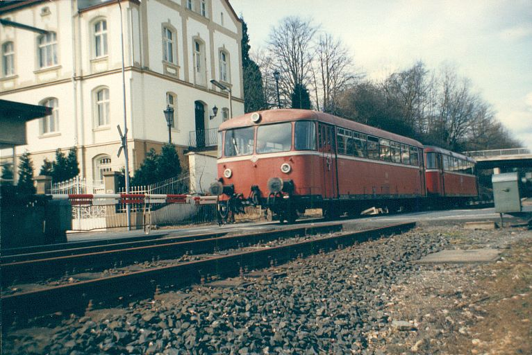 Der SCHIENENbus - Baureihe 798/998 der DB 910