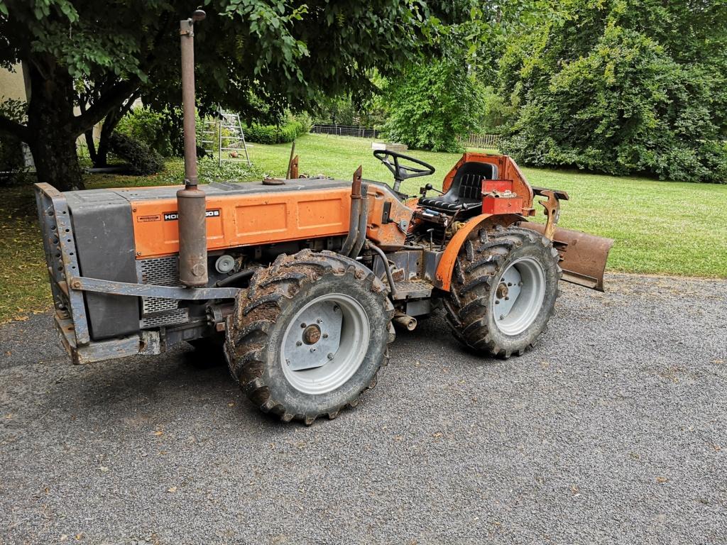 "RENAULT - ""trouvé"" tracteur renault type 70-14F Img_2013"
