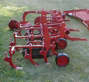 الجرار الزراعى1957 IH 350 Utility Tractor 05118012