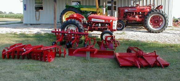 الجرار الزراعى1957 IH 350 Utility Tractor 05118017