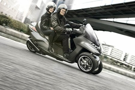 Peugeot 3 roues hybride, ça avance... Peugeo15