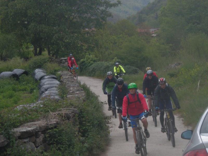 Ruta por el Valle de Bedoya 21-5-2013 P1010125