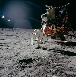 [INTERMEDIO] Viaggio sulla luna (Da realizzare) As11-410