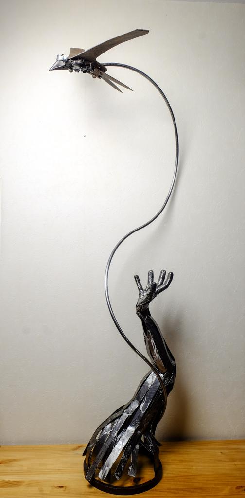 Quelques sculptures... - Page 4 Hirond18
