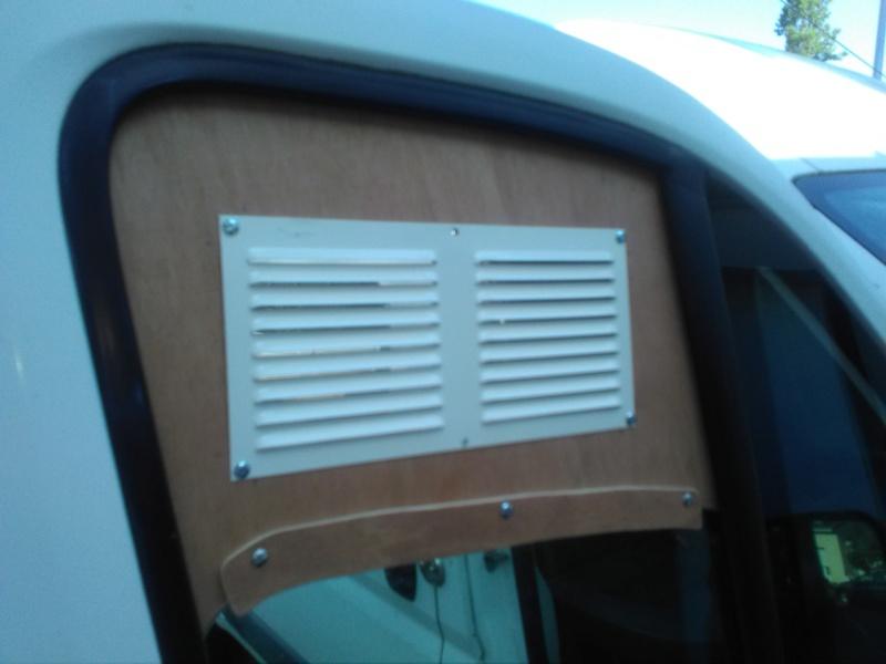 [résolu] Grille d'aération sur fenêtre de véhicule Img_2026