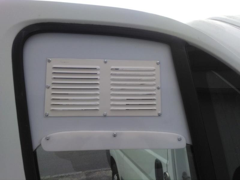 [résolu] Grille d'aération sur fenêtre de véhicule Img_2034
