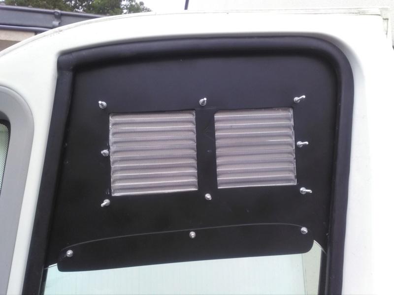 [résolu] Grille d'aération sur fenêtre de véhicule Img_2036