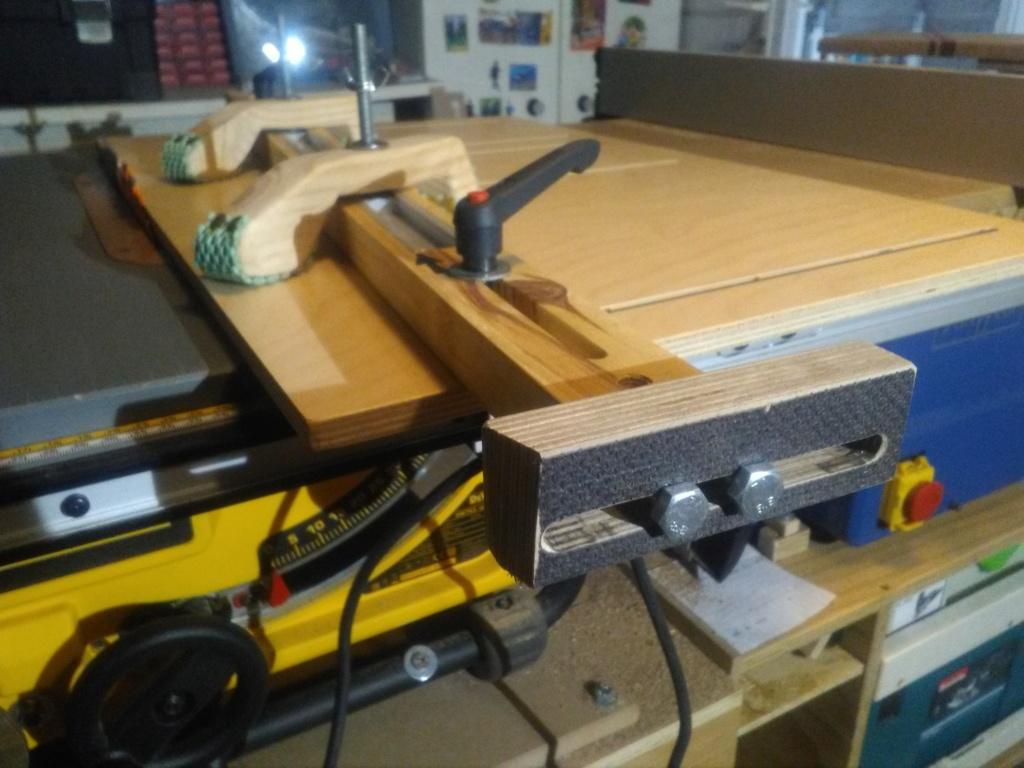 Gabarit de scie sous table pour joint en biseau (bois de bout) Img_2247