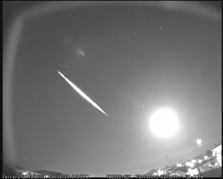 Fireball 2013 06 21 20:30:09 UT M2013034