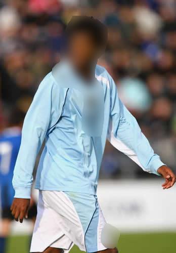 Qui es-ce ? [Footballeur] Aaa10