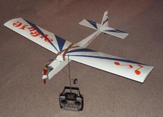 Notre premier avion àmoteur à explosion Pict0073
