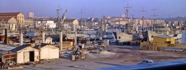 [Les ports militaires de métropole] TOULON au début des années 60 - Page 3 Artill11