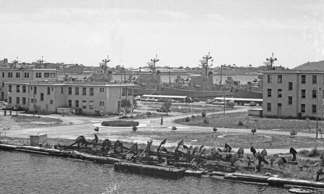 [Les ports militaires de métropole] TOULON au début des années 60 - Page 3 Castig10