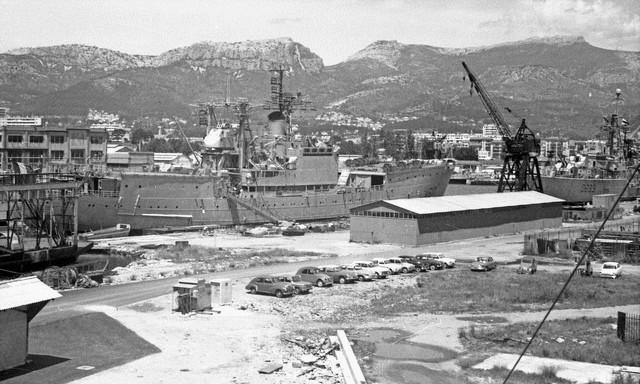 [Les ports militaires de métropole] TOULON au début des années 60 - Page 3 Ile_ol10