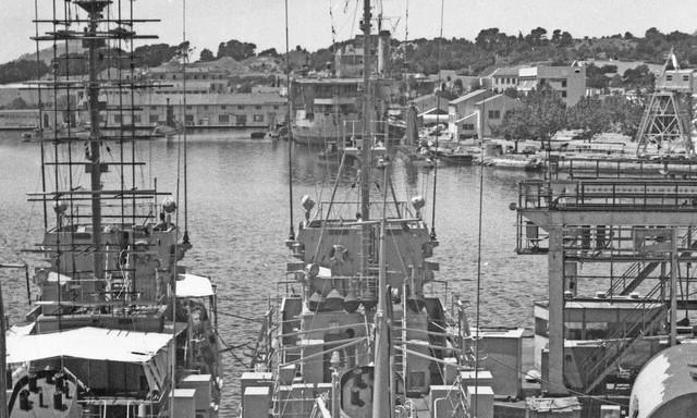 [Les ports militaires de métropole] TOULON au début des années 60 - Page 3 Le_bea26
