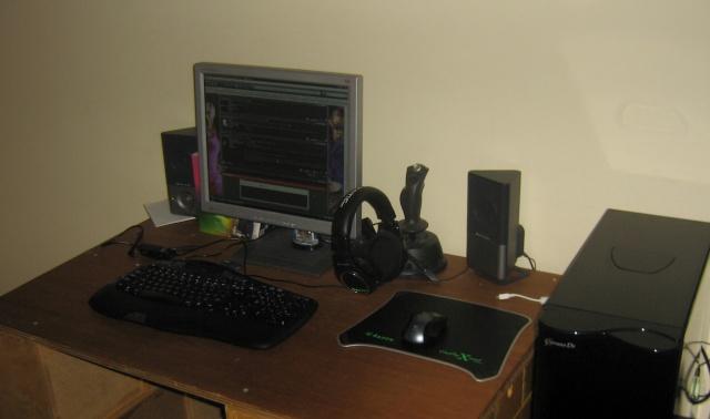 My pc setup ^^ and other pics :) Img_0011