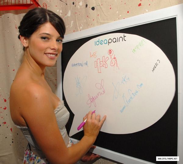 BOP-IT! Celebrity Retreat (9 août 2009) 001jgb10