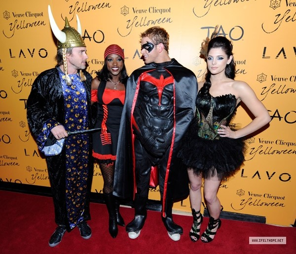 Veuve Clicquot's Yelloween At Tao & Lavo (31 Octobre 2009) Mq00111