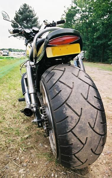 Méga pneu!!! Img00210