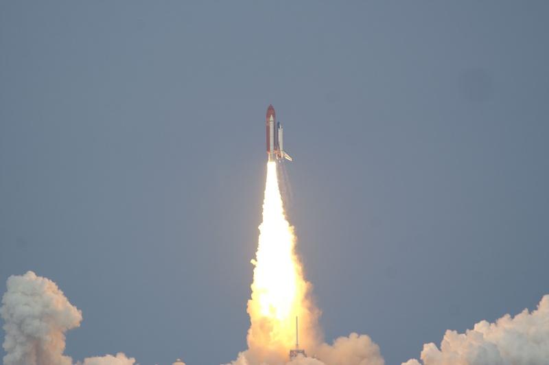 [STS-127: Endeavour] Lancement : tentative 6 (15/07 à 22h03 GMT) - Page 32 Sts-1215