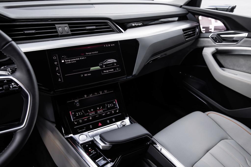 2018 [Audi] E-Tron Quattro - Page 4 A1875812