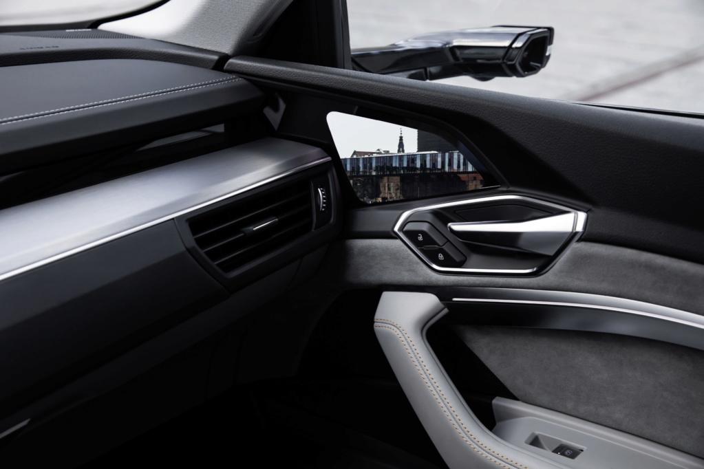 2018 [Audi] E-Tron Quattro - Page 4 A1875813