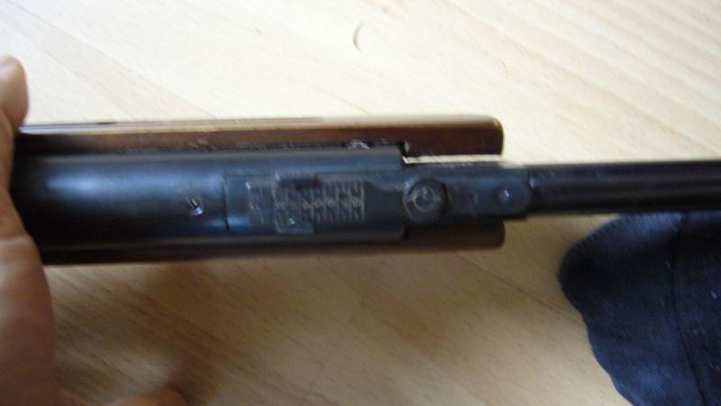 c'est une quoi ma carabine à plomb... ????? P1020615