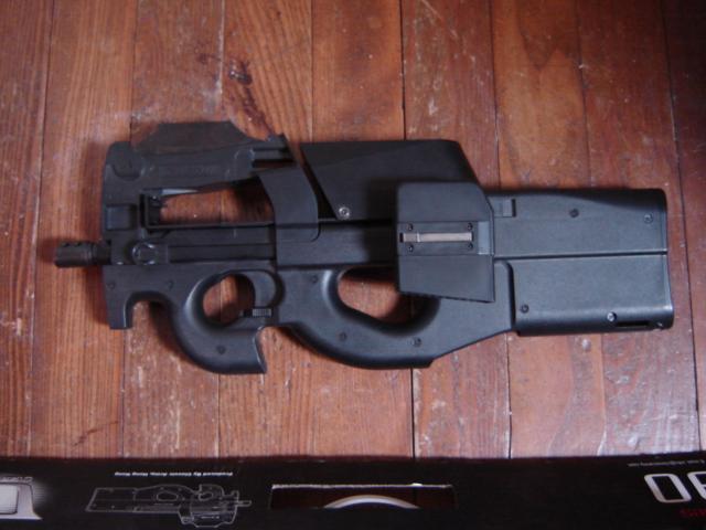 Vend P90 classic army Dsc01010