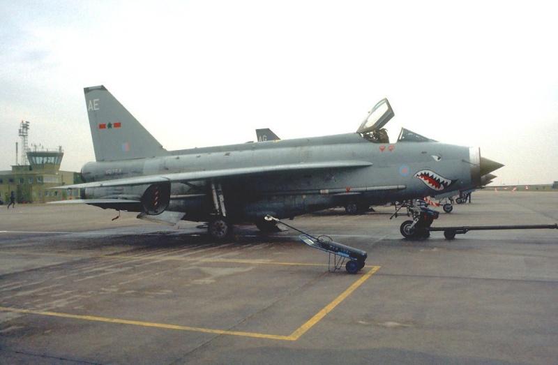 EE Lightning F-6 10313311