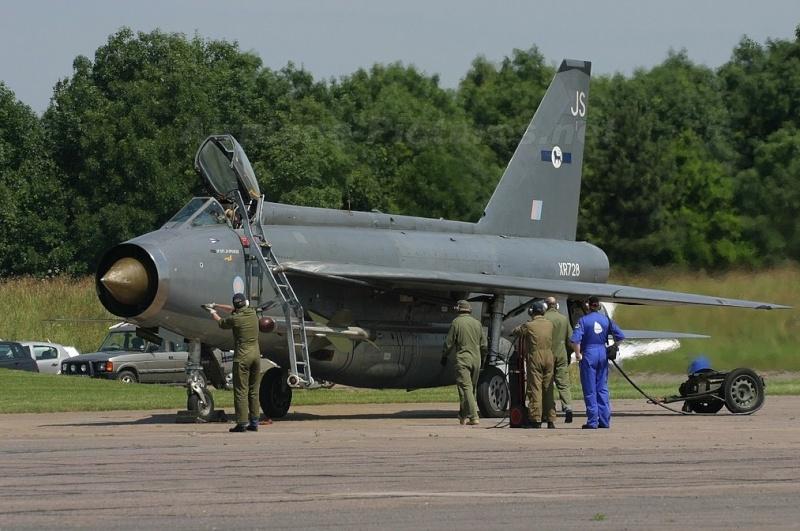 EE Lightning F-6 3454411