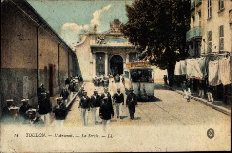 [ Les ports  militaires de métropole ] Toulon des années 30 - Page 2 22791110