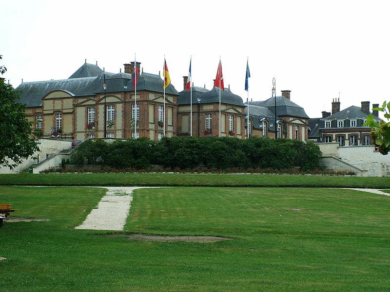 Les Chateaux de l'Orne 800px-15