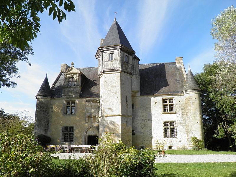 Les Chateaux de l'Orne 800px-16