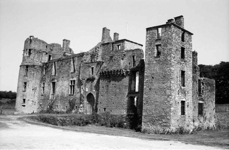 Les Chateaux de l'Orne Saint-11