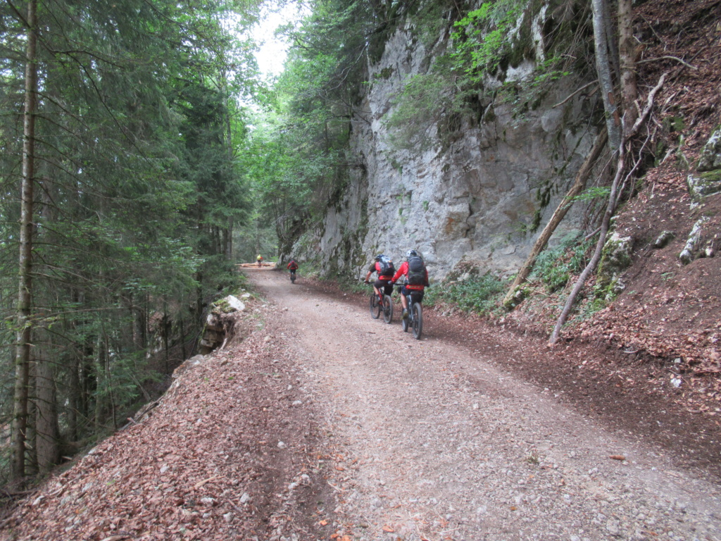 Grande traversée du Jura a VTT Img_0666