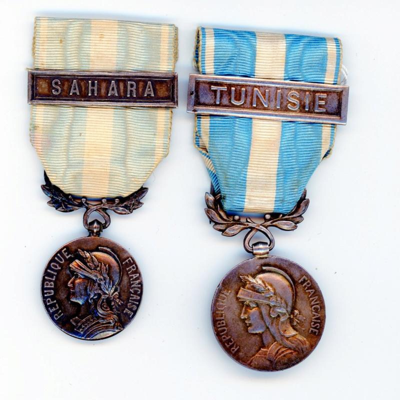 Médailles coloniales TUNISIE  à clapet  et SAHARA -ALPINS-AOUT4 Colo0610