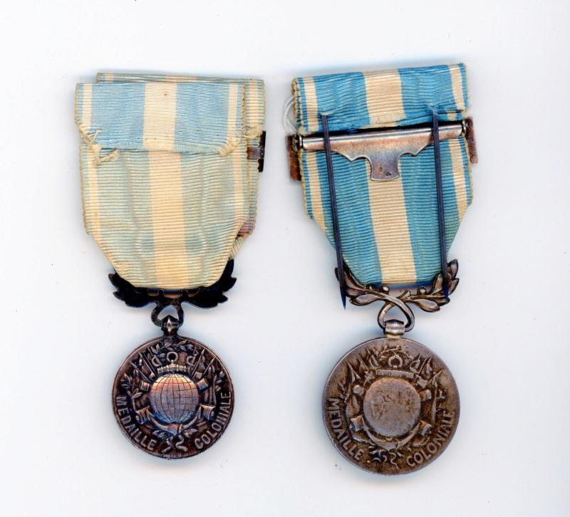 Médailles coloniales TUNISIE  à clapet  et SAHARA -ALPINS-AOUT4 Colo0611