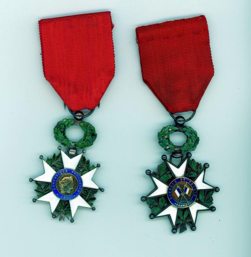 Deux chevaliers de la légion d'honneur pour compléter vos mannequins -ALPINS-AOUT1 Lh07010