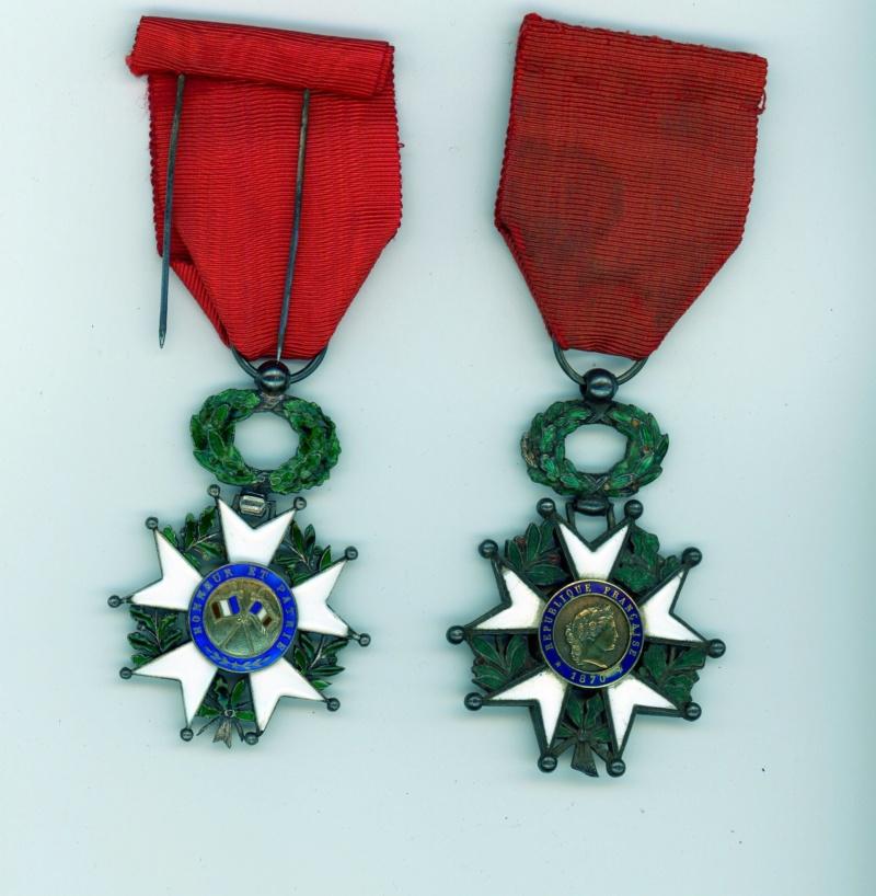 Deux chevaliers de la légion d'honneur pour compléter vos mannequins -ALPINS-AOUT1 Lh07110