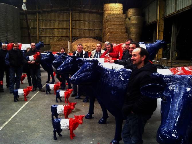"""reunions expliquant le projet """"lait equitable""""    Edr8ib10"""