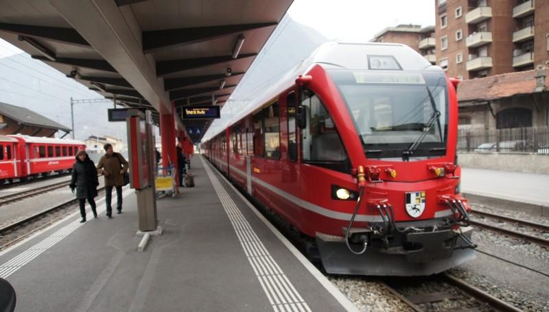 réseau en HOm des chemins de fer rhétique (RHb) - Page 6 Bernin10