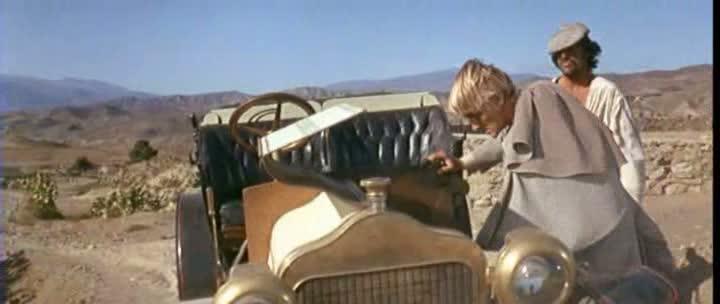 Les automobiles...dans le western. Vlcsna45