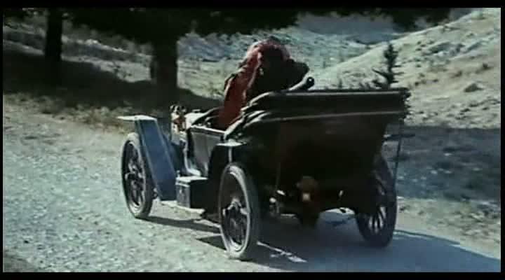 Les automobiles...dans le western. Vlcsna47