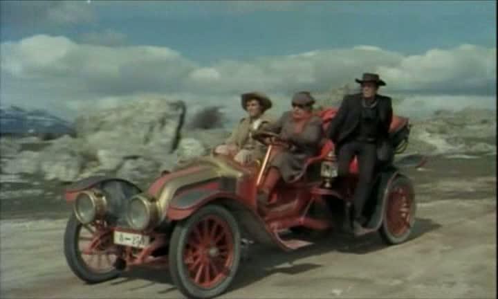 Les automobiles...dans le western. Vlcsna51