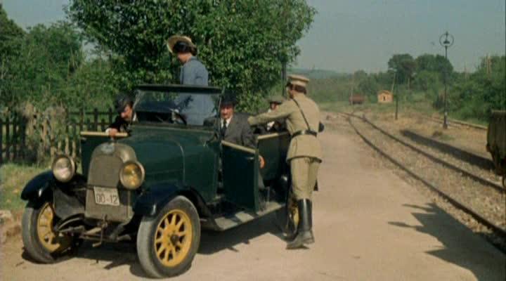 Les automobiles...dans le western. Vlcsna55