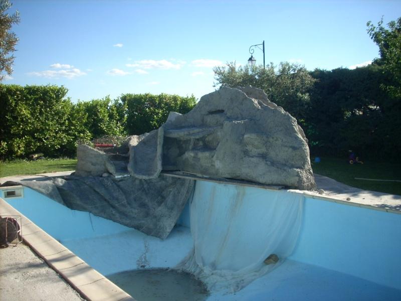 Projet construction faux rocher avec cascade pour piscine besoin de conseille page 3 for Piscine avec cascade