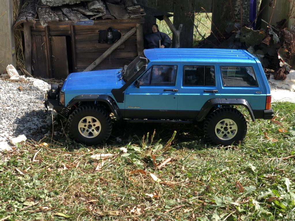 Mon Cherokee xj sur base scx10 2 51c25c10