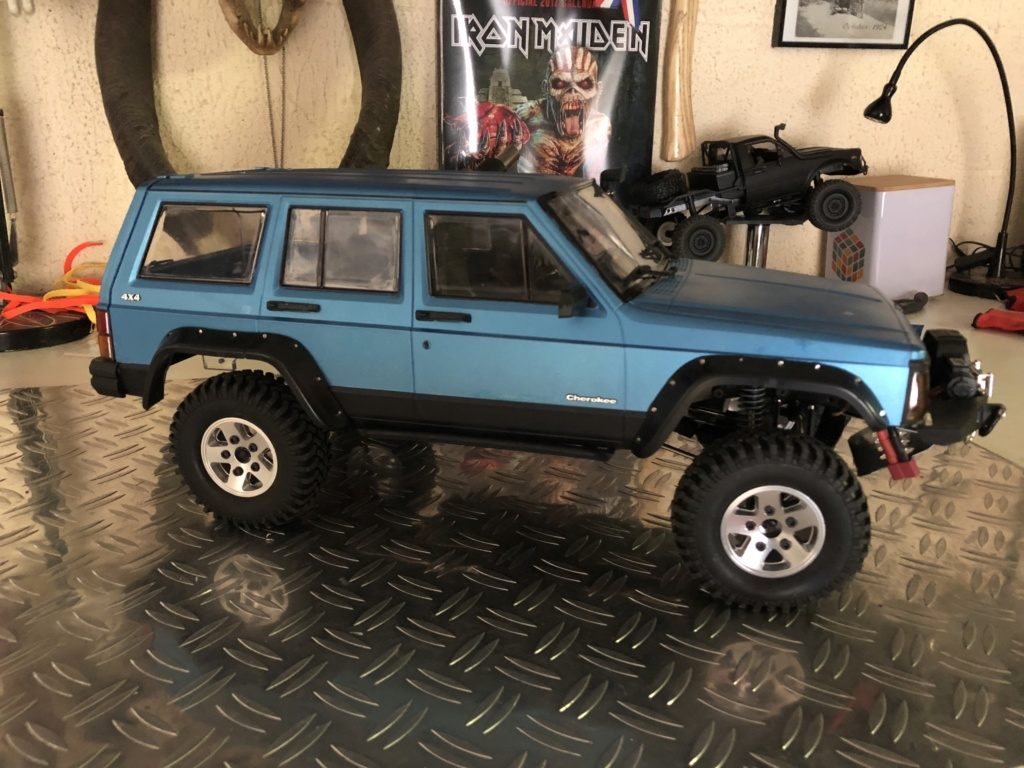 Mon Cherokee xj sur base scx10 2 775e7110