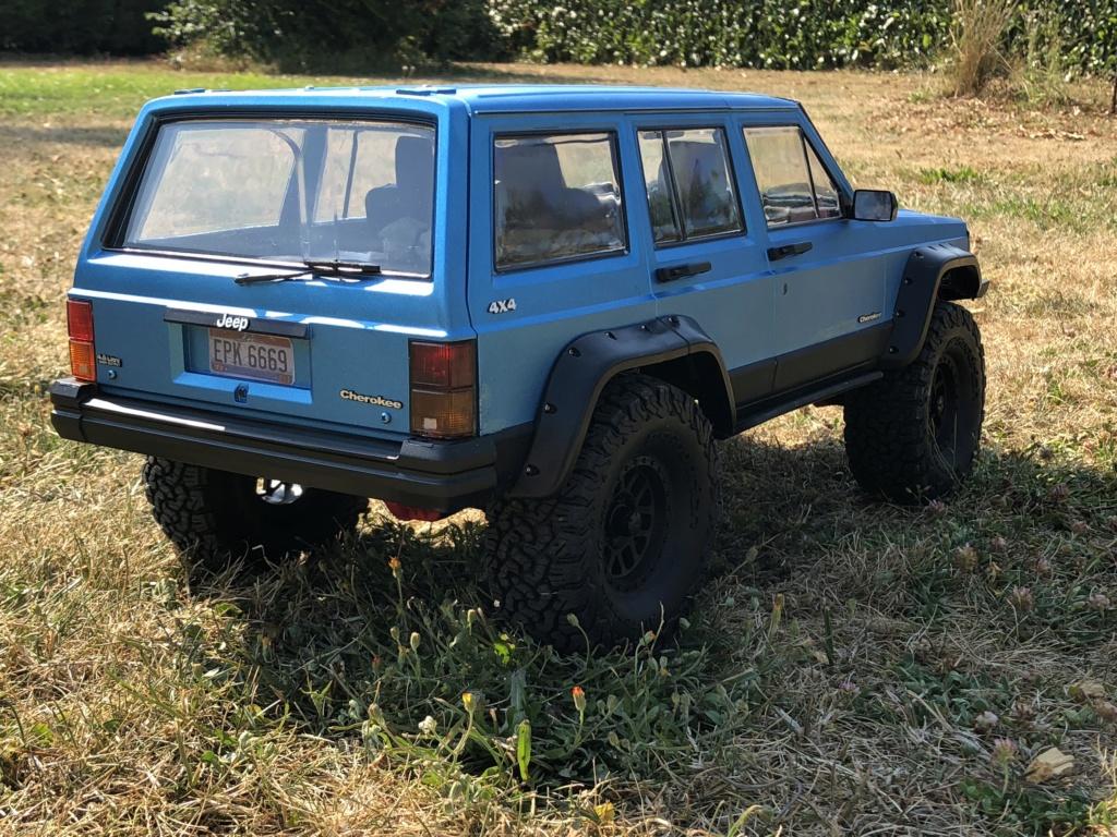 Mon Cherokee xj sur base scx10 2 85cf0f10